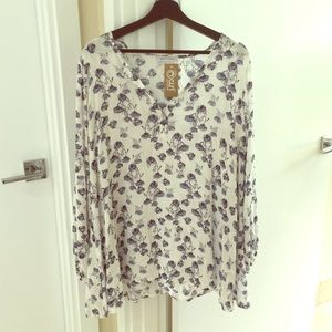 Curl by Sammy Duvall Skyler + Madison blouse small